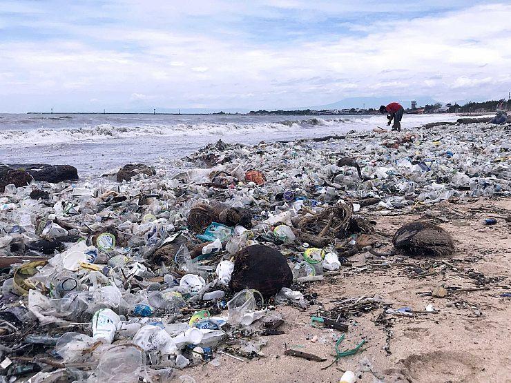 Ocean bound plastic waste 01